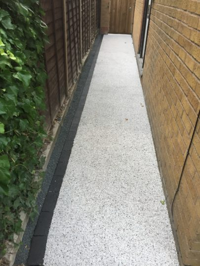 Daltex White Flint Resin Pathway